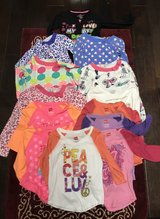 6/7 Long sleeve small lot in Fort Campbell, Kentucky
