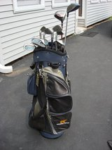 GOLDEN BEAR GOLF BAG WITH  11 CLUBS in Naperville, Illinois