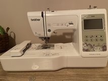 Brother SE600 Embroidery and Sewing Machine in Byron, Georgia