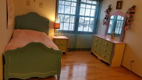 Girls bedroom furniture in Orland Park, Illinois