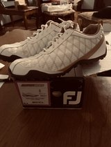 Ladies FJ golf shoes sz 8 in Joliet, Illinois