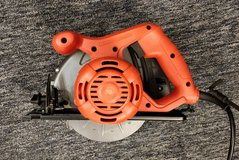 Black & Decker CS1012 Circular Saw 7-1/4 inch Power Tool in Westmont, Illinois
