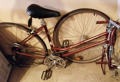 Womens Girls Schwinn Varsity vintage 70's ten speed bicycle ~ for parts or bike restoration in Westmont, Illinois