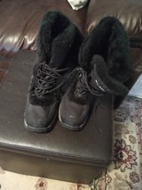 Woman's boots size 11. Like New in Alamogordo, New Mexico
