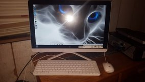 HP All-In-One 22-b013w Touchscreen Desktop in Fort Polk, Louisiana