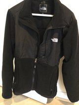 North face woman's jacket in Bolling AFB, DC