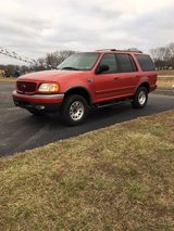 2001 Ford Expedition in Fort Leonard Wood, Missouri