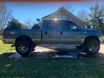 2004 Ford F-259 6.0l powerstroke in Fort Campbell, Kentucky