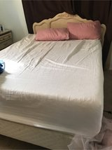 "Queen bed  14"" gel memory foam bed in 29 Palms, California"