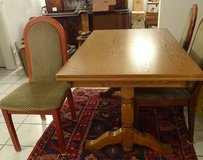 Dining Table & 4 chairs in Wiesbaden, GE