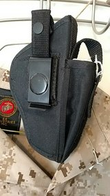 Pistol Holster Like New Cond in 29 Palms, California