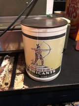 vintage oil can in Fort Campbell, Kentucky