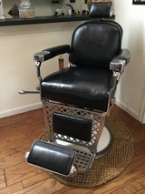 Barber Chair, Emil J Paidar 1949 in Conroe, Texas