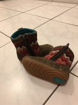 girl winter boots 4.5 in Ramstein, Germany