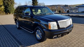 2003 Cadillac Escalade 6.0 V8 AWD 7-Seater *Collectors Condition* LOW MILEAGE! in Ramstein, Germany