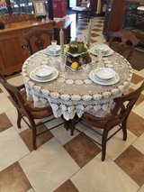 Antique Oak Round table and 5 Chairs in Fort Leonard Wood, Missouri