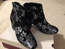 Women's Boots in Fort Campbell, Kentucky