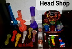 Head Shop Grinders Pipes Bongs in Pearland, Texas