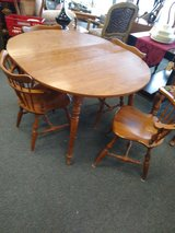 Round Table with 4 Chairs and 1 Leaf in Naperville, Illinois