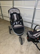 Graco Jogging Stroller and car seat in Joliet, Illinois