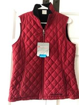 NWT--Ladies Red Vest in St. Charles, Illinois