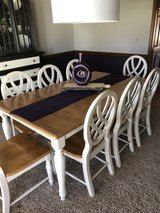 Kitchen table and eight chairs in Bolingbrook, Illinois