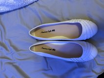 Size 8 flats in Camp Pendleton, California