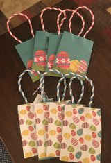 8 Small Gift Bags in Joliet, Illinois