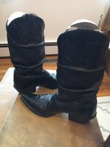 PRE-OWNED WOMAN'S ARIAT LEATHER DRESS/CASUAL BOOTS-BLACK-SIZE 9-B in Sandwich, Illinois