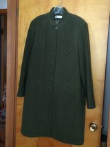 PRE-OWNED HARVE BENARD OLIVE GREEN COAT - WOOL - FULLY LINED - SIZE 16 in Chicago, Illinois