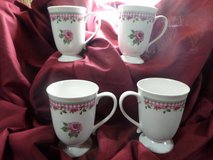 4) large pink rose and gingham check coffee mugs in Alamogordo, New Mexico