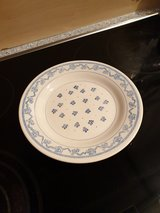 16 dining plates in Ramstein, Germany