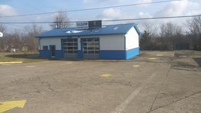 COMMERCIAL, EXCELLENT WORKSHOP,CAR LOT ETC. in Elizabethtown, Kentucky
