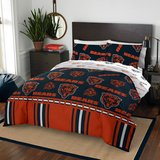 NEW Northwest Co NFL Chicago Bears 5 Piece Queen Bed in a Bag Comforter Set in Chicago, Illinois