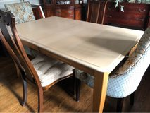 Beautiful Canadel Wood Dining Table w/Leaf in Westmont, Illinois