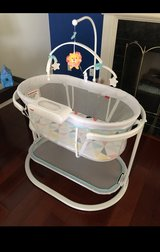 Bassinet- Soothing Motion Fisher Price in Naperville, Illinois
