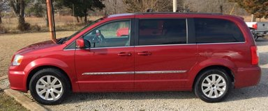 2014 Chrysler Town & Country in Fort Leonard Wood, Missouri