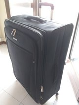 Samsonite Ascella Suitcase in Vicenza, Italy