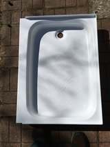"White 24"" x 32"" Rectangular shower pan. in Beaufort, South Carolina"
