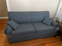 Pull out couch in Bolingbrook, Illinois