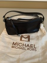 Michael Kors Black Leather Pouch Purse in Conroe, Texas
