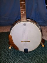 Kent five-string banjo in Fort Campbell, Kentucky