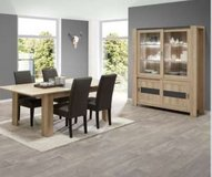 United Furniture - Hermes Dining Set - China (with lights) - Table - 4 Chairs - Delivery in Wiesbaden, GE