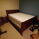 like new queen bed in Camp Pendleton, California