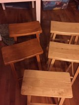 5 Counter Height Stools in Bolingbrook, Illinois