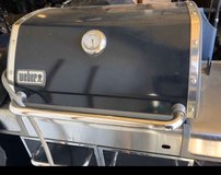 Weber Genesis Gas Grill. in Naperville, Illinois