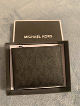 michael kors wallet in Fort Leonard Wood, Missouri