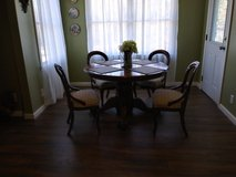 antique dining table in Byron, Georgia