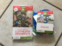 penguin craft AND clothespin craft kits NEW in Stuttgart, GE