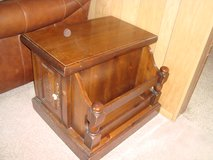 Early American/Country Style Maple Wood End Table w/attached side Magazine Caddy in Tinley Park, Illinois